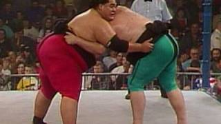 WWE Alumni: Earthquake battles Yokozuna in a Sumo Match