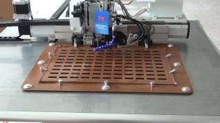 Programovatelné automatické šicí stroje pro neprůstřelná vesta