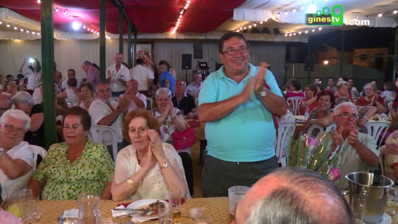 Los mayores reciben un emotivo homenaje en la Feria de Gines