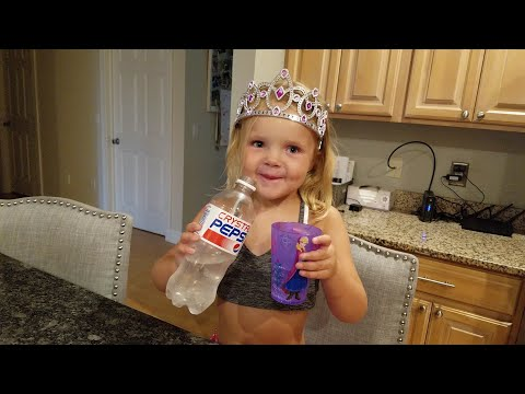 REVIEW: Josie tries Crystal Pepsi for the first (AND last) time