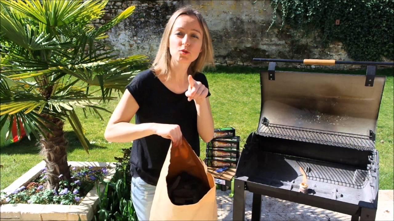 comment allumer un barbecue avec du charbon de bois gr ce volcanoh 39 feu youtube. Black Bedroom Furniture Sets. Home Design Ideas