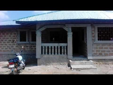 Building under construction (Ganta, Liberia)