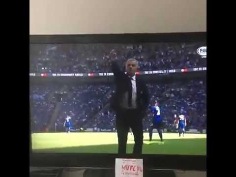 Jose Mourinho celebration after Jesse Lingard goal against Liescter City ( 07/08/2016)