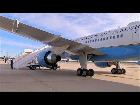 شاهد: هبوط إضطراري لطائرة ميلانيا ترامب بسبب تصاعد الدخان من مقصورة القيادة…  - نشر قبل 4 دقيقة