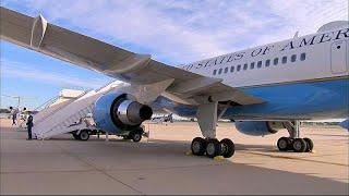 شاهد: هبوط إضطراري لطائرة ميلانيا ترامب بسبب تصاعد الدخان من مقصورة القيادة…