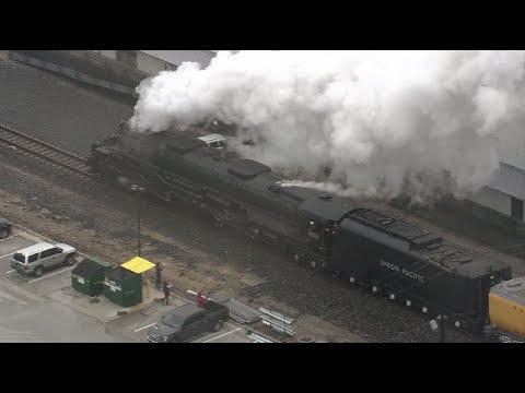 "Raw video: Union Pacific ""Big Boy"" steam locomotive departs Houston with ""Bush 41"" locomotive"