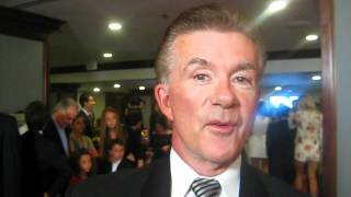 "Alan Thicke Sings the ""Growing Pains"" Theme Song for Glamour.com"
