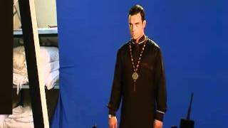 Robbie Williams | Sin Sin Sin | Robbie Shakes His Booty