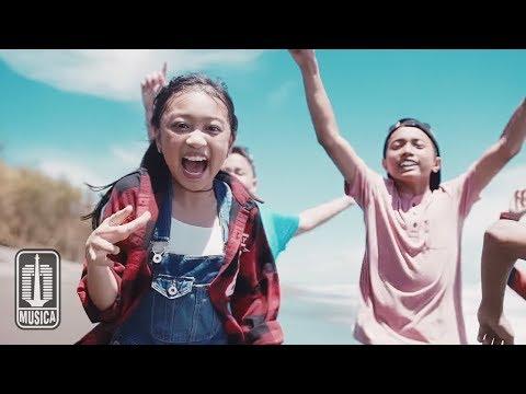 Zara Leola - Liburan (OST. Petualangan Menangkap Petir) | Official Video