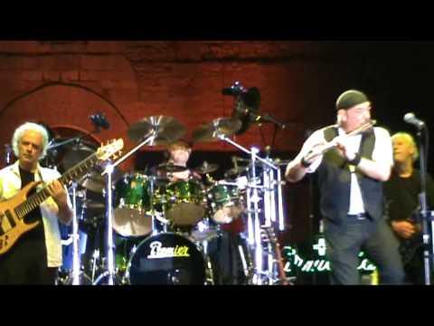 Jethro Tull - Serenade to a cuckoo - Todi (Italy) July 5 2009