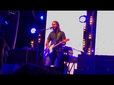 Feeder - Feeling A Moment [live @ Chepstow, Wales 25-08-17]