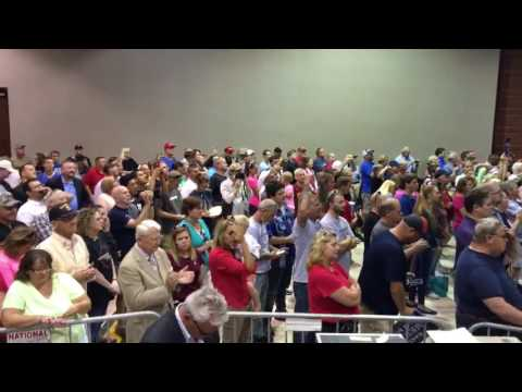 Showing the HUGE Donald Trump Crowd in Wilmington, OH
