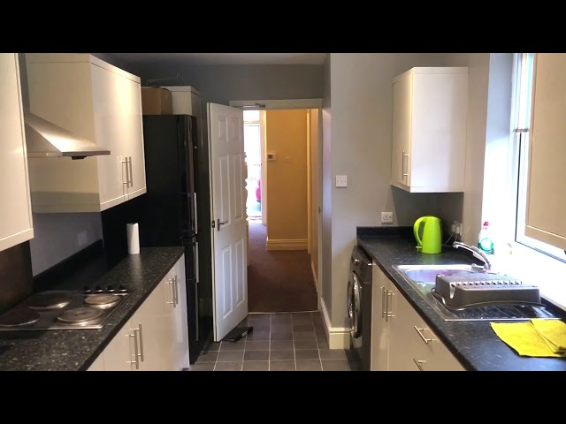**Newly Refurbished Room** Excellent Location Main Photo