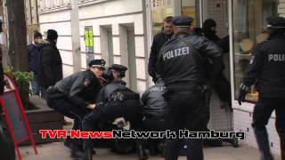 Brutaler Überfall auf einen Juwelier - Täter vor laufender Kamera überwältigt