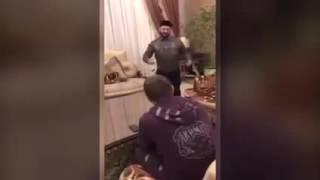 Галустян репетирует пародию на Кадырова