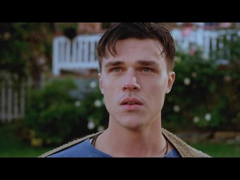 Finn Wittrock And Emile De Ravin Imagine Their Life Together In 'Submarine Kid'