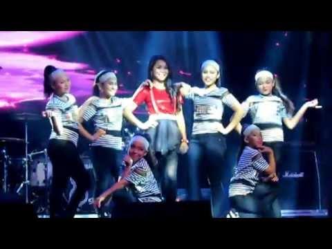 Wani Kayrie - Jangan Jangan LIVE @ Ungu Mozaik Tour 2015