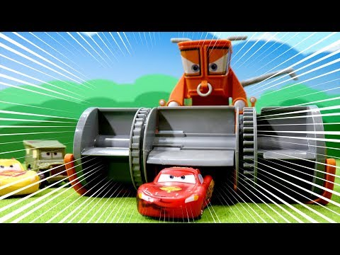 Thumbnail: Disney Cars Color Changers Playset toys Chase & Change Franck & Lightning Mcqueen for cartoon movie
