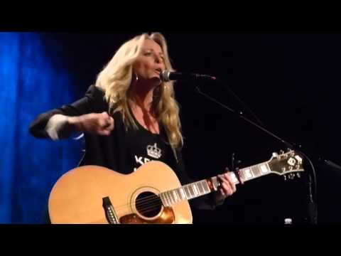 DEANA CARTER..Red Clay Music Foundry 11/10/15 We Danced Anyway