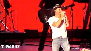 Tim Mcgraw - Still (HD) LIVE