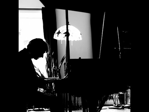 Raffaele Scoccia (aka Moon Rocket) - Rain and Sun (Piano & Strings)
