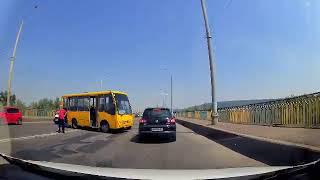 Аварія на Калинівському ринку. Мікроавтобус зіткнувся з маршруткою