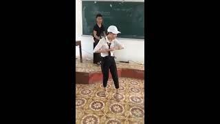 Nhảy trong lớp (nữ cơ trưởng xinh gái)