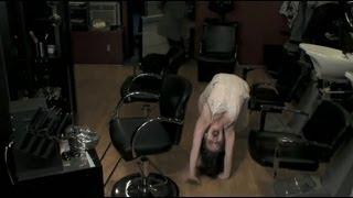 Прикол в парикмахерской.фильмы ужасов.
