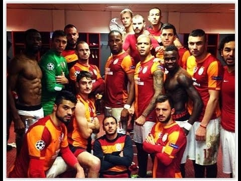 Galatasaray - Yürüyoruz Biz Bu Yolda - HD