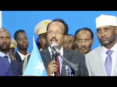 Mohamed Abdullahi Mohamed sworn in as new Somali president