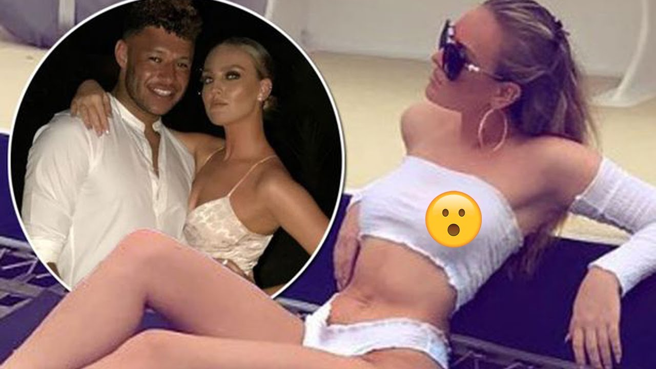 Little Mixs Perrie Edwards Flashes Nipples on a Boat!