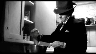 Repeat youtube video STEVE MARTIN MAKES COFFEE