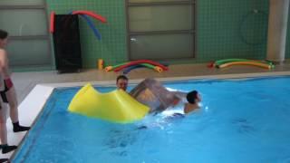 Über das Wasser laufen 2 - Schwimm Matte - kreativer Schwimmkurs mit Spaß