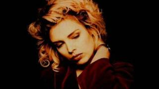 Watch Kim Wilde Janine video