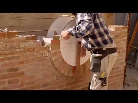 C mo construir una ventana ojo de buey con ladrillo cara for Arcos de ladrillo