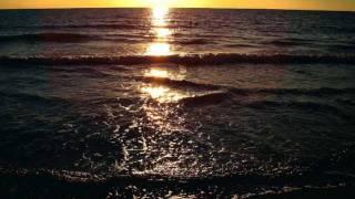 Mika Mendes - Poco de bo (Sunset Slideshow Clip)