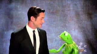 Joseph Gordon levitt and the muppets holiday spectacular for Christmas