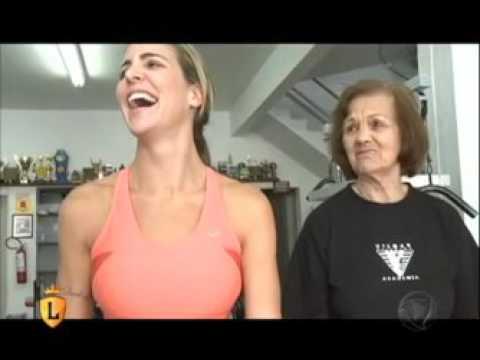 Joana conhece mulher de 83 anos campeã de levantamento de peso #arquivolegendários