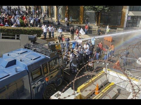 عسكريون متقاعدون يحاولون اقتحام مقر رئاسة الحكومة اللبنانية  - 22:55-2019 / 5 / 20