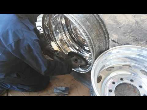 DIY Tony Metal Art how to polish aluminum wheels/ finish stage on outside wheel pt. 9