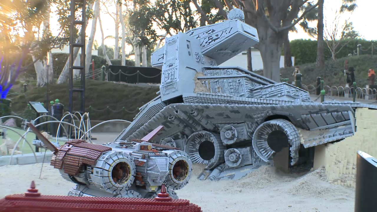 Legoland California Reveals Lego Star Wars The Force Awakens
