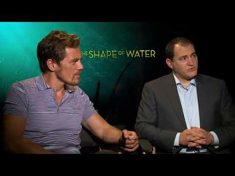 "The Shape of Water || Michael Shannon ""Strickland"" & M Stuhlbarg ""Hoffstetler"" 