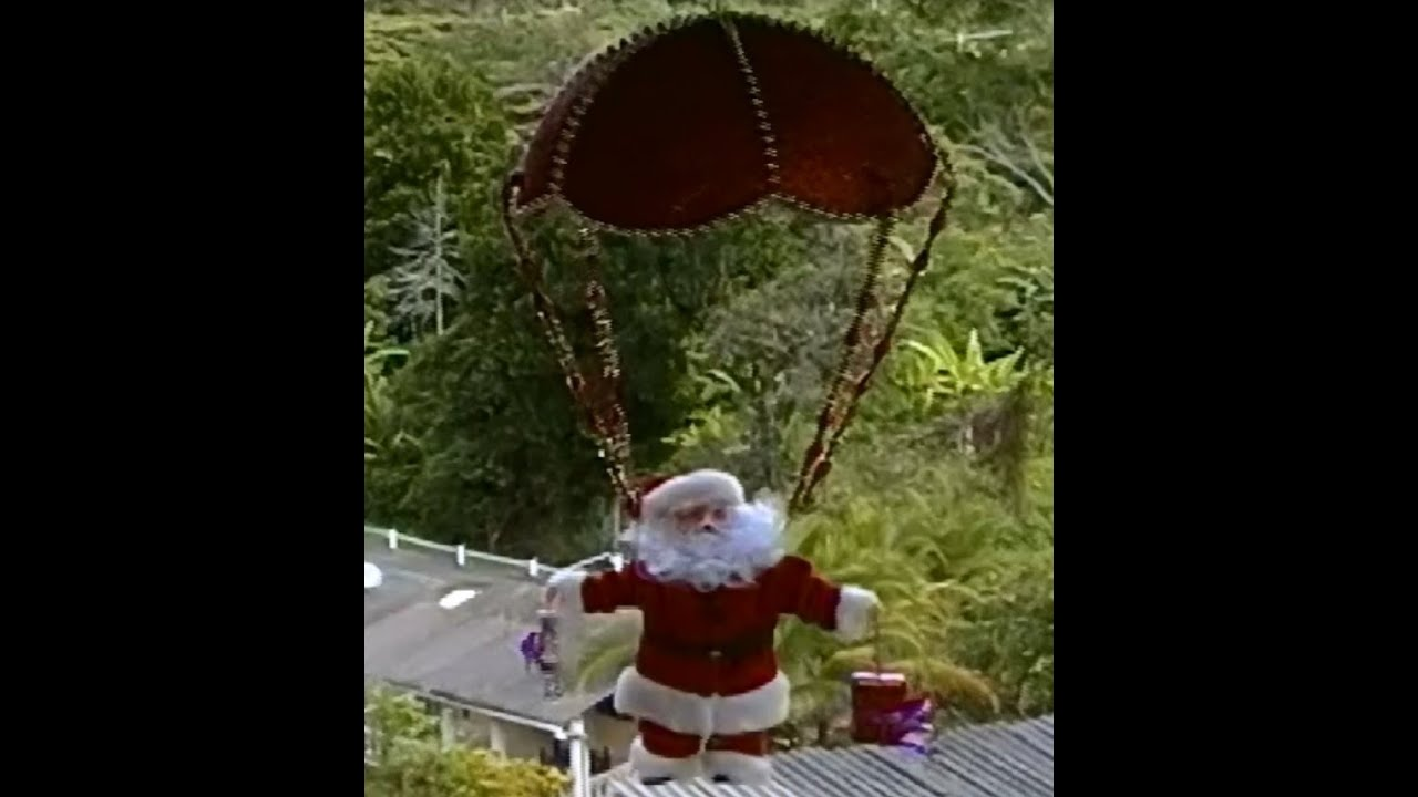 Adornos navide os c mo hacer un pap noel en paraca das - Adornos navidenos de tela ...