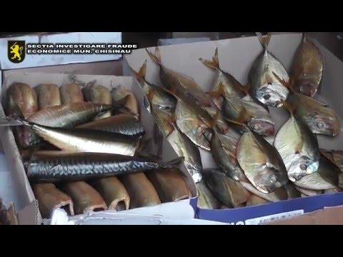 Circa 500 kg de produse din pește, fără acte de proveniență, confiscate de poliție