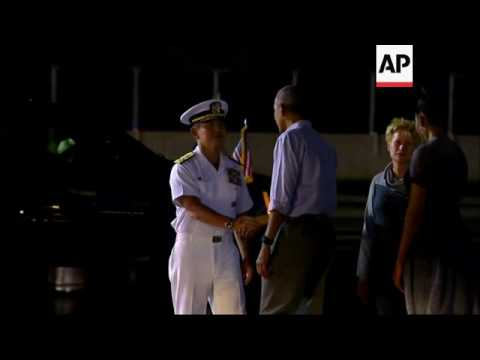 Raw: The Obamas Arrive in Hawaii for Holiday