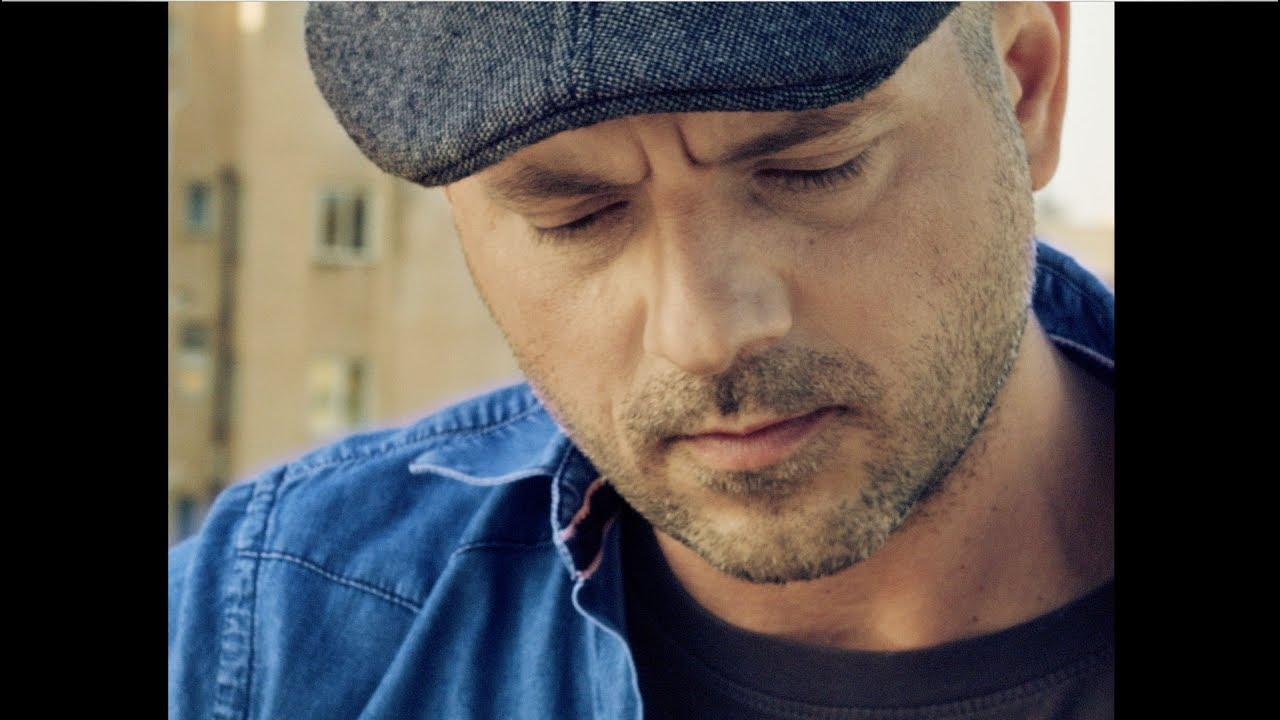 Μάνος Λυδάκης - Μόνο σ'αγαπώ Official videoclip