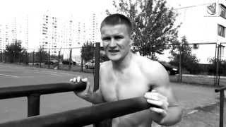 Копия видео Брусья - правильные отжимания. Выполняет - Михаил Яцык