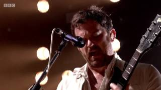 Kings Of Leon - Use Somebody Live Radio 1's Big Weekend 2017 Tous d...
