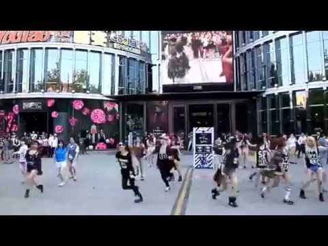 Flash Mob Beijing China: The Little Apple
