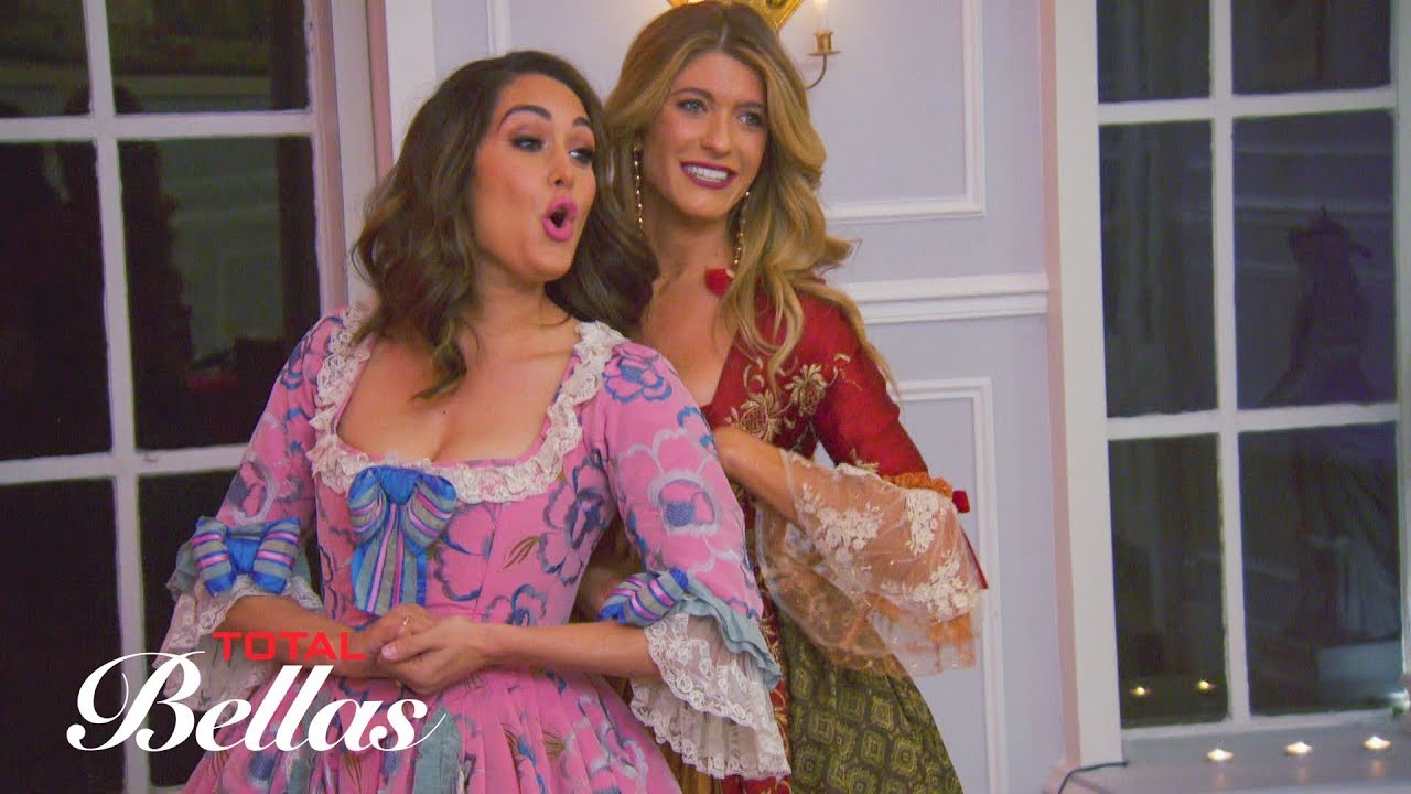 nikki-practices-walking-down-the-aisle-during-a-masquerade-total-bellas-preview-clip-july-22-2018